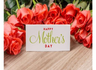 mother's day: flowers and greetings